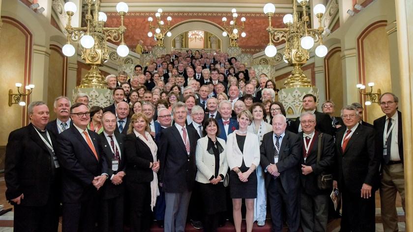 """""""Freunde von Ungarn"""" zur Messe von Kardinal Péter Erdő eingeladen post's picture"""