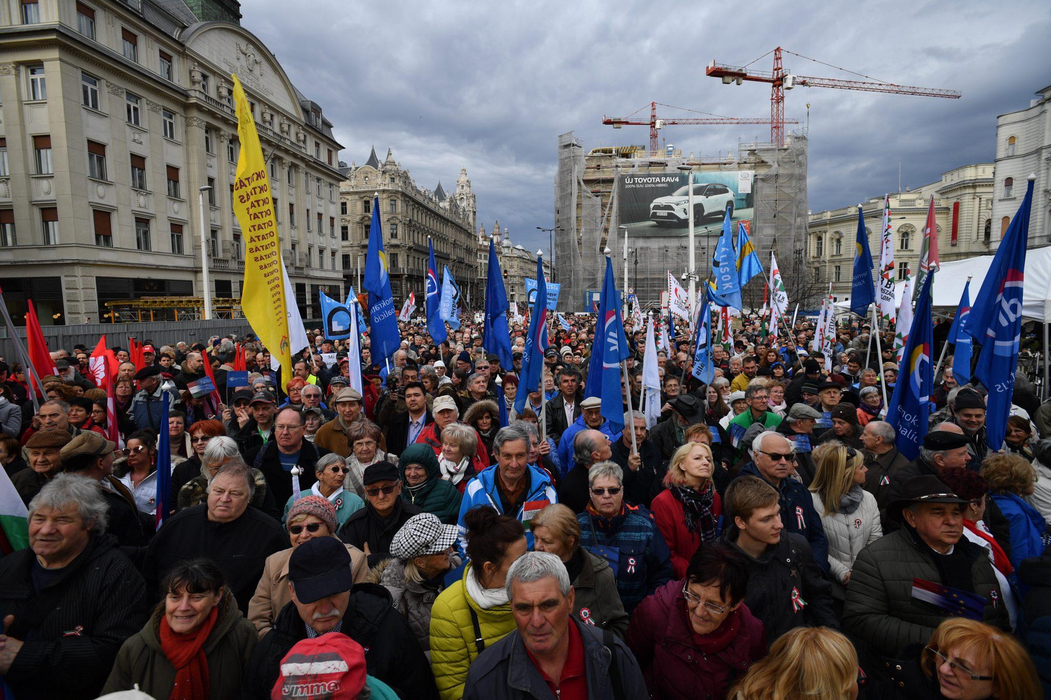 Proteste gegen Regierung an Ungarns Nationalfeiertag post's picture