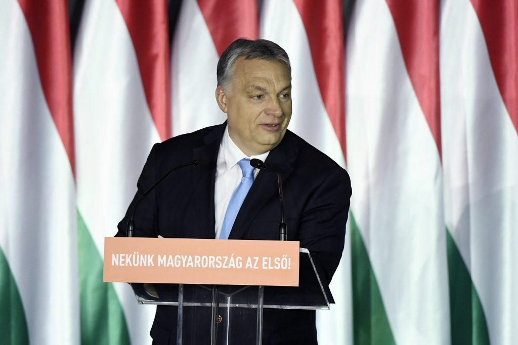 Orbán startet Fidesz-EP-Kampagne: 7-Punkte-Programm gegen Migration