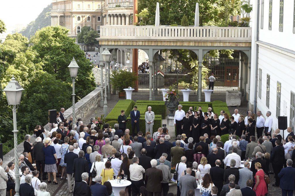 """Präsident Áder begrüßt """"Freunde von Ungarn"""" zum 6. Mal in Budapest post's picture"""