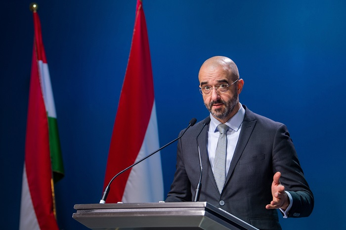 Staatssekretär Kovács: Wenn uns jemand nicht will, dann gehen wir aus eigenerEntscheidung post's picture
