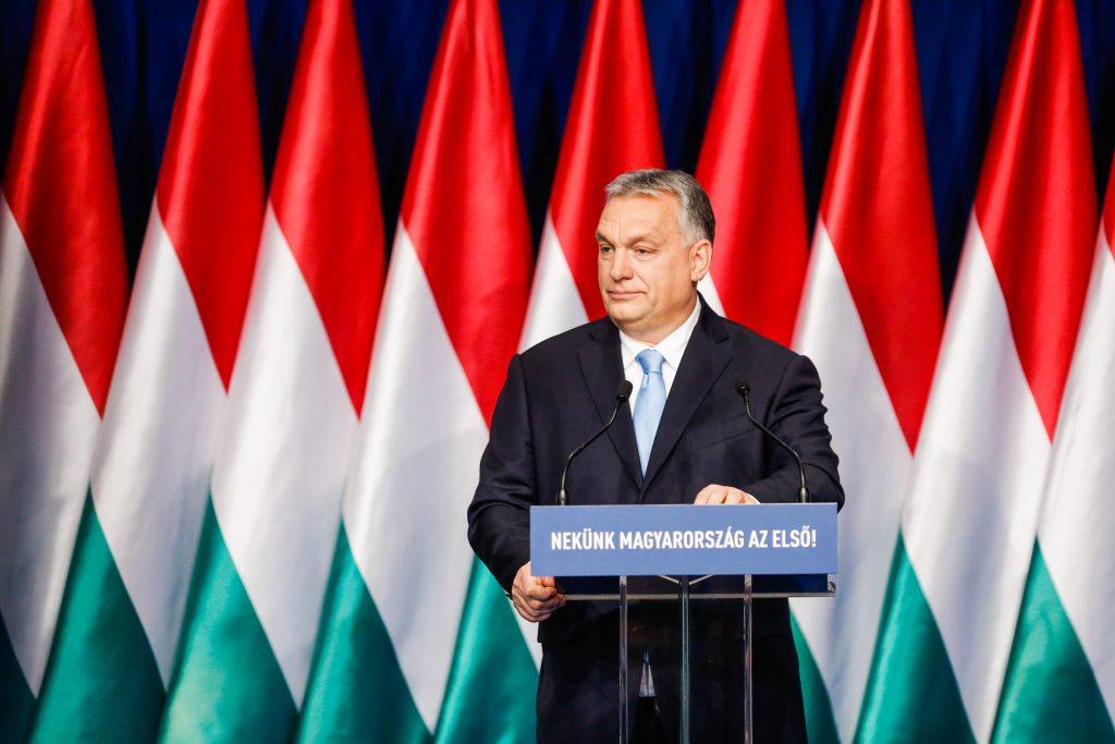 Mehr als 1 Million Unterschriften zur Unterstützung des Programms von Premier Orbán post's picture