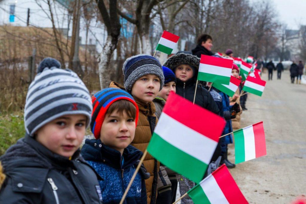 Ukraine verbannt Minderheitensprachen aus offiziellem Gebrauch post's picture