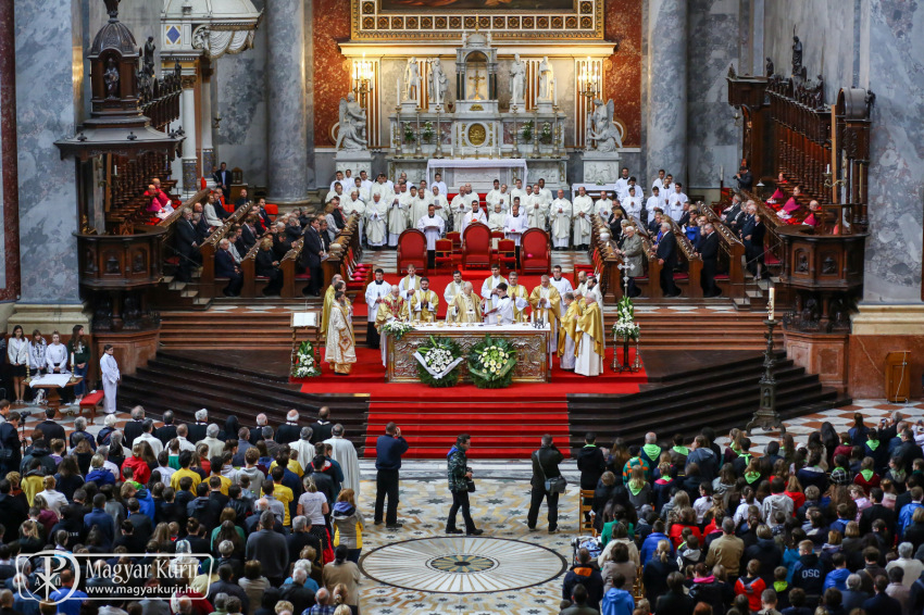 """Kardinal Péter Erdő begrüßte """"Freunde von Ungarn"""" bei der Mindszenty-Messe"""