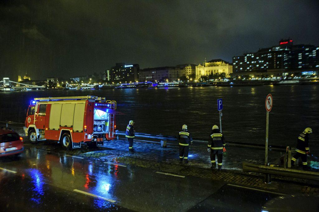 Mindestens sieben Tote nach Schiffsunglück auf der Donau