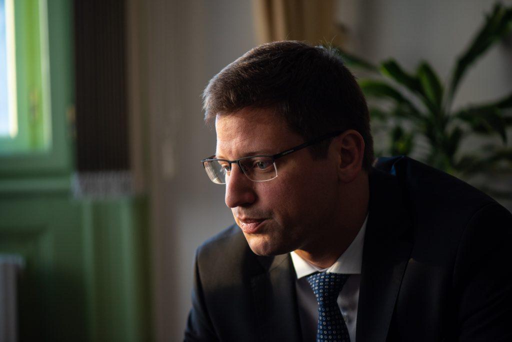 """""""Wir suchen keine Parteienfamilie aber Verbündete"""" – Interview mit Kanzleramtsminister Gergely Gulyás post's picture"""