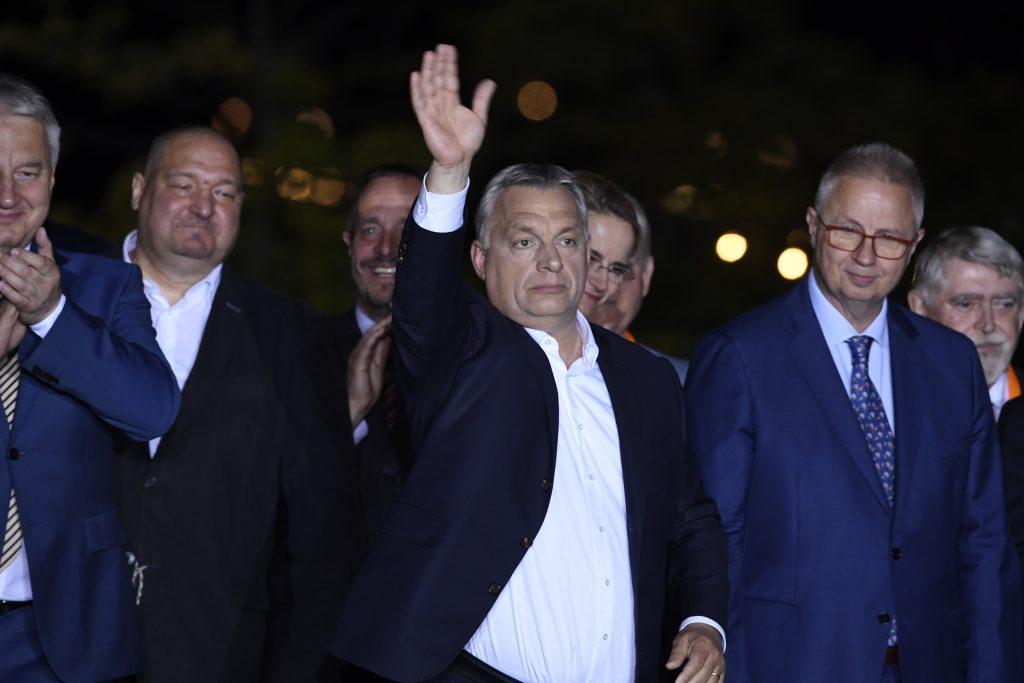 """Viktor Orbán: """"Rekord-Wahlbeteiligung, Rekordsieg"""""""