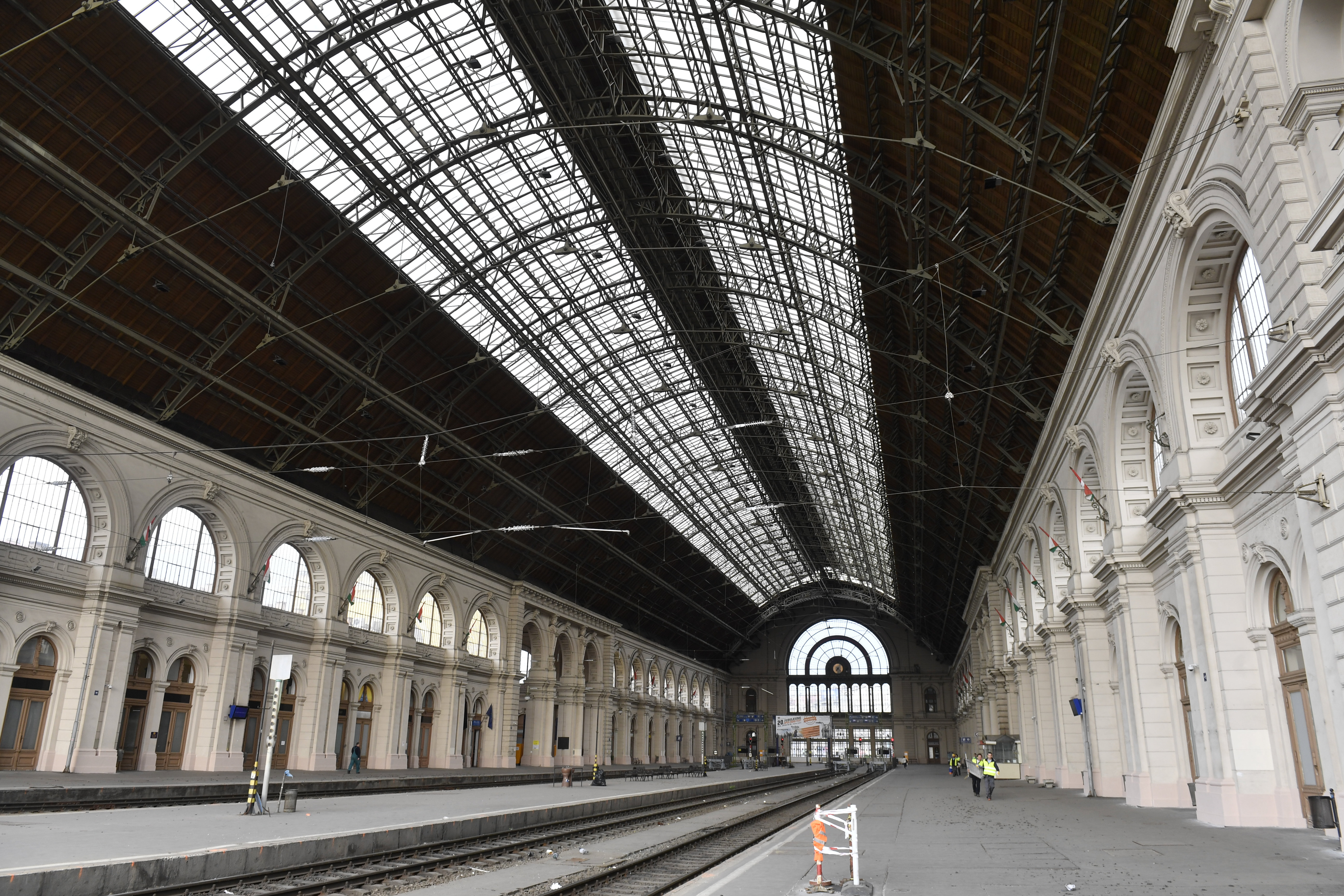Budapest-Keleti Bahnhof für 2 Wochen geschlossen post's picture