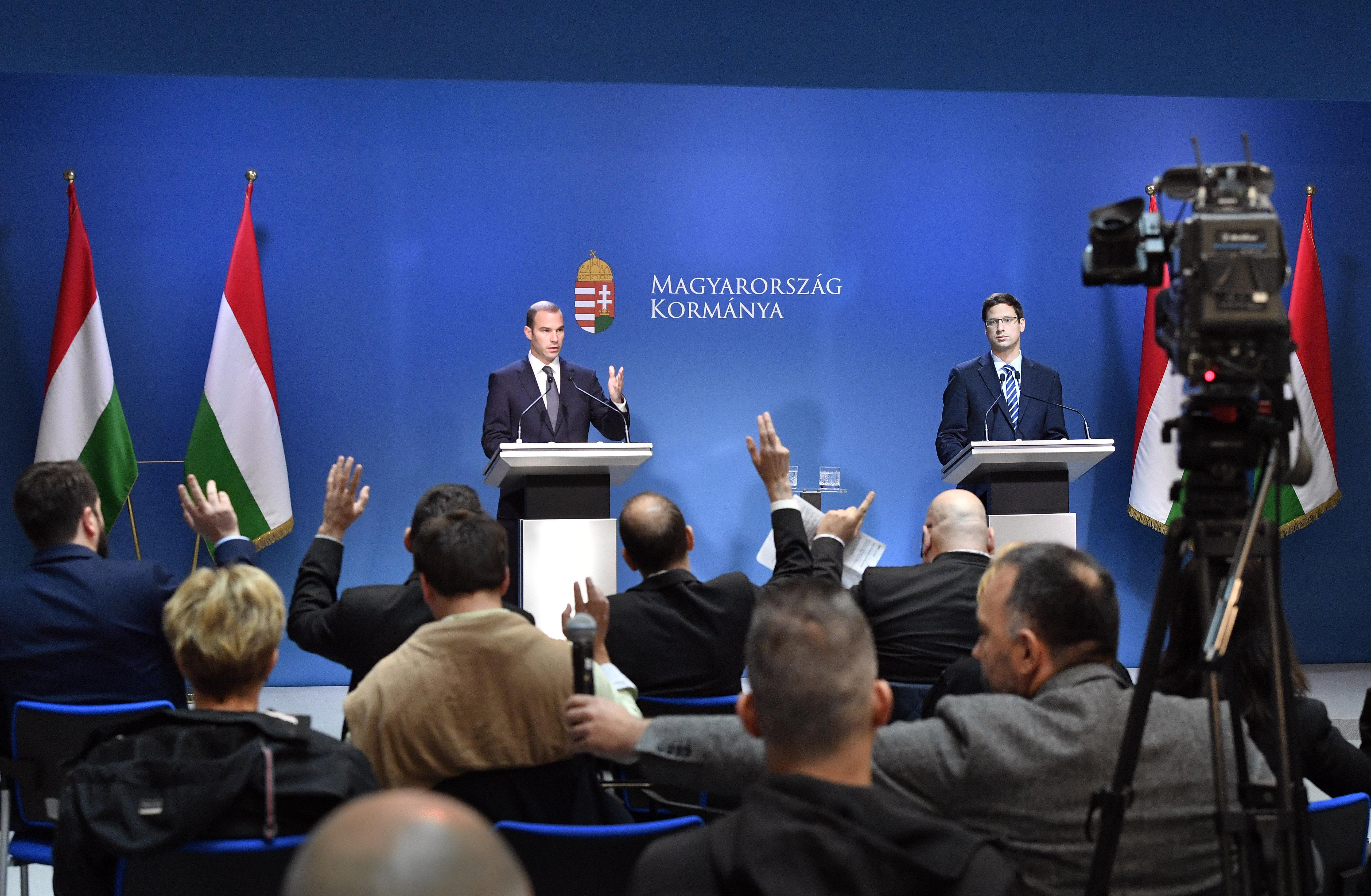 Kanzleramtsminister Gulyás: Die Fidesz-Mitgliedschaft hängt von der Richtung der EVP nach der Wahl ab post's picture