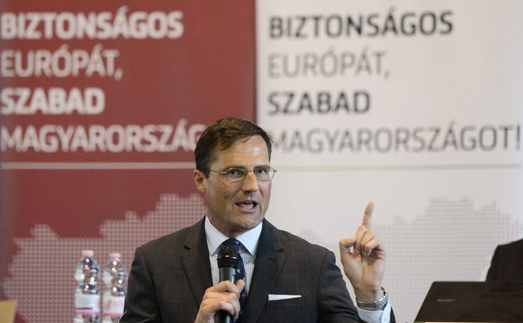 """Jobbik: Die Partei hat """"ihren Weg zur Volkspartei vollendet"""""""