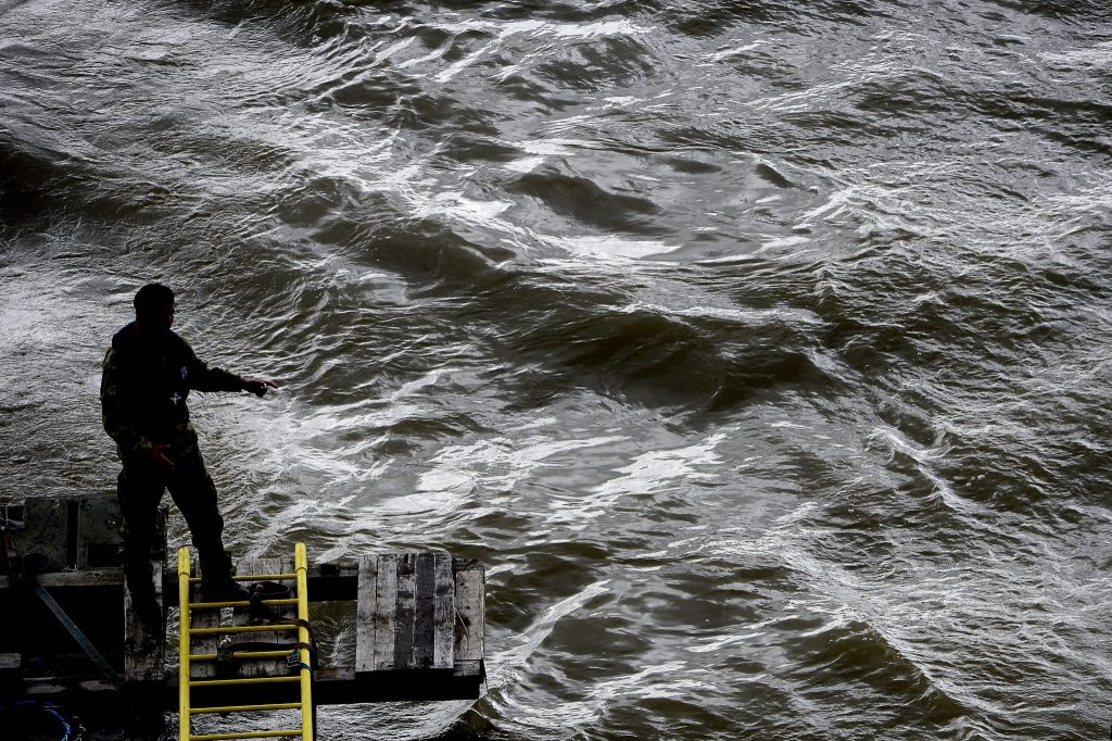 Österreichische Taucher helfen nach Schiffstragödie