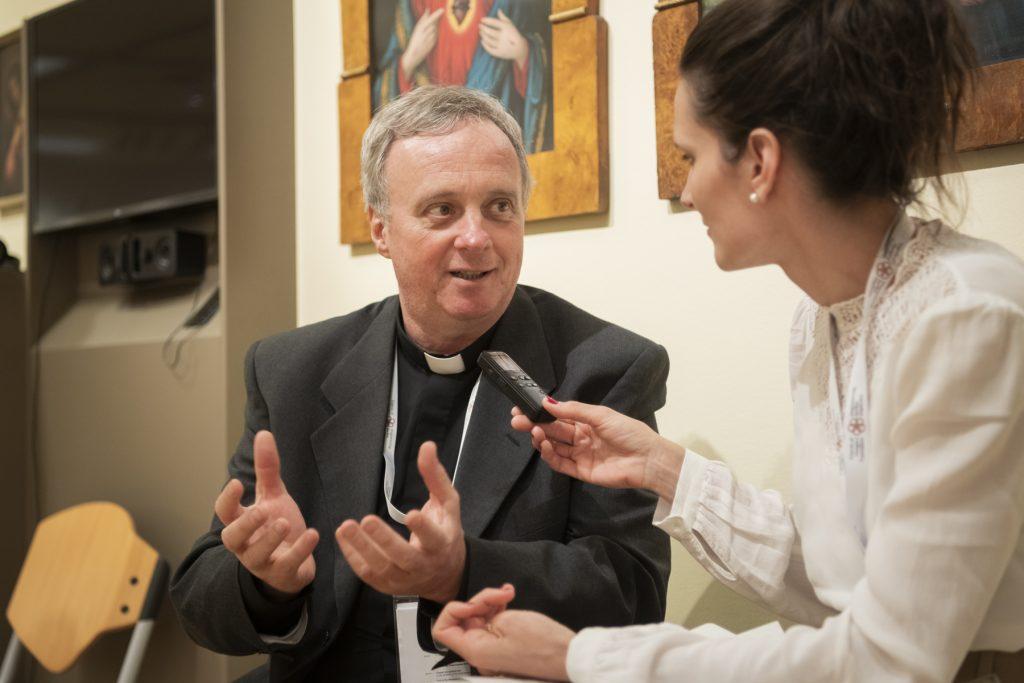 """""""Der Papst soll in Csíksomlyó nicht politisieren"""" – Interview mit Pater László Németh aus Rom"""
