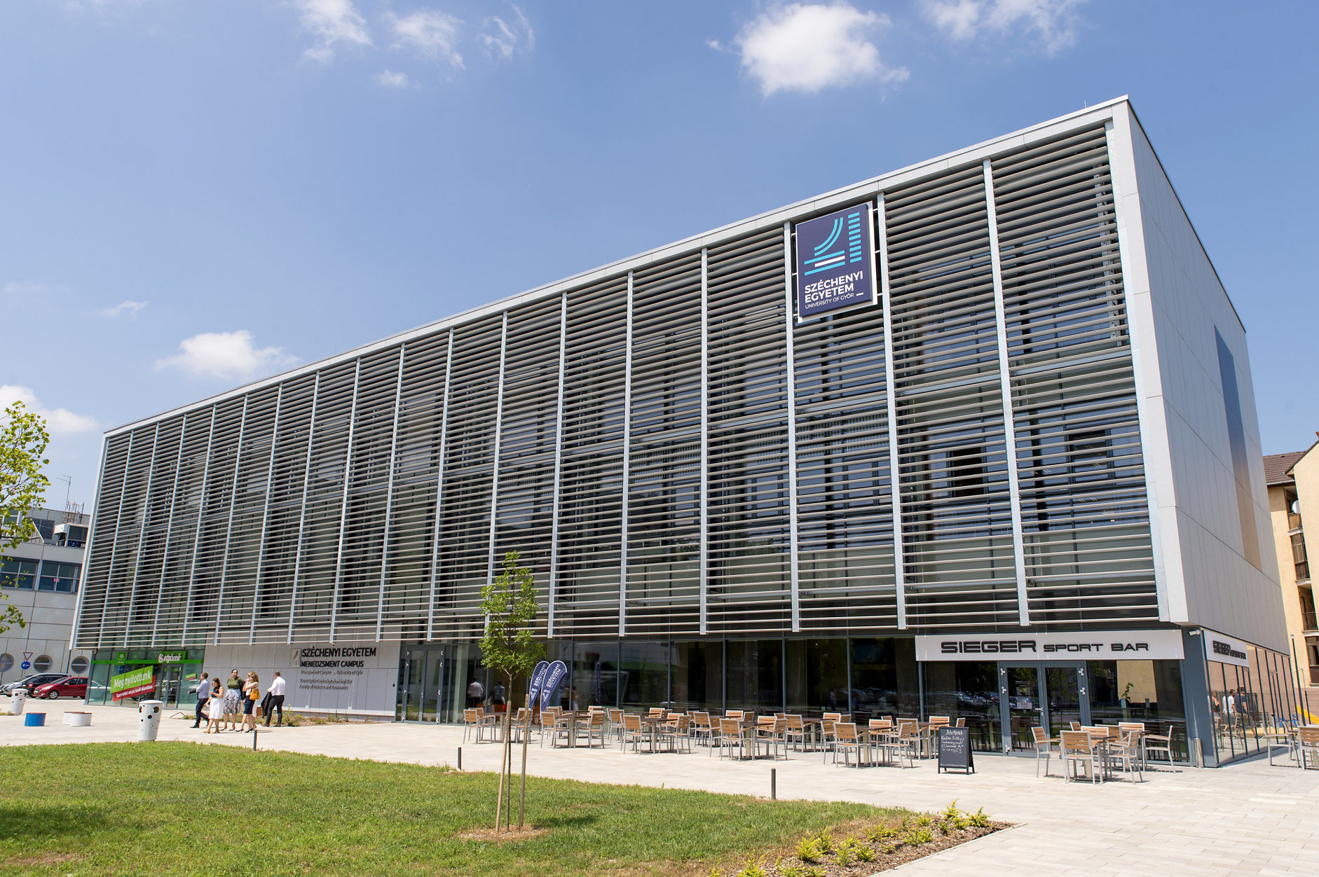 Audi: Innovations- und Technologiezentrum in Győr übergeben post's picture
