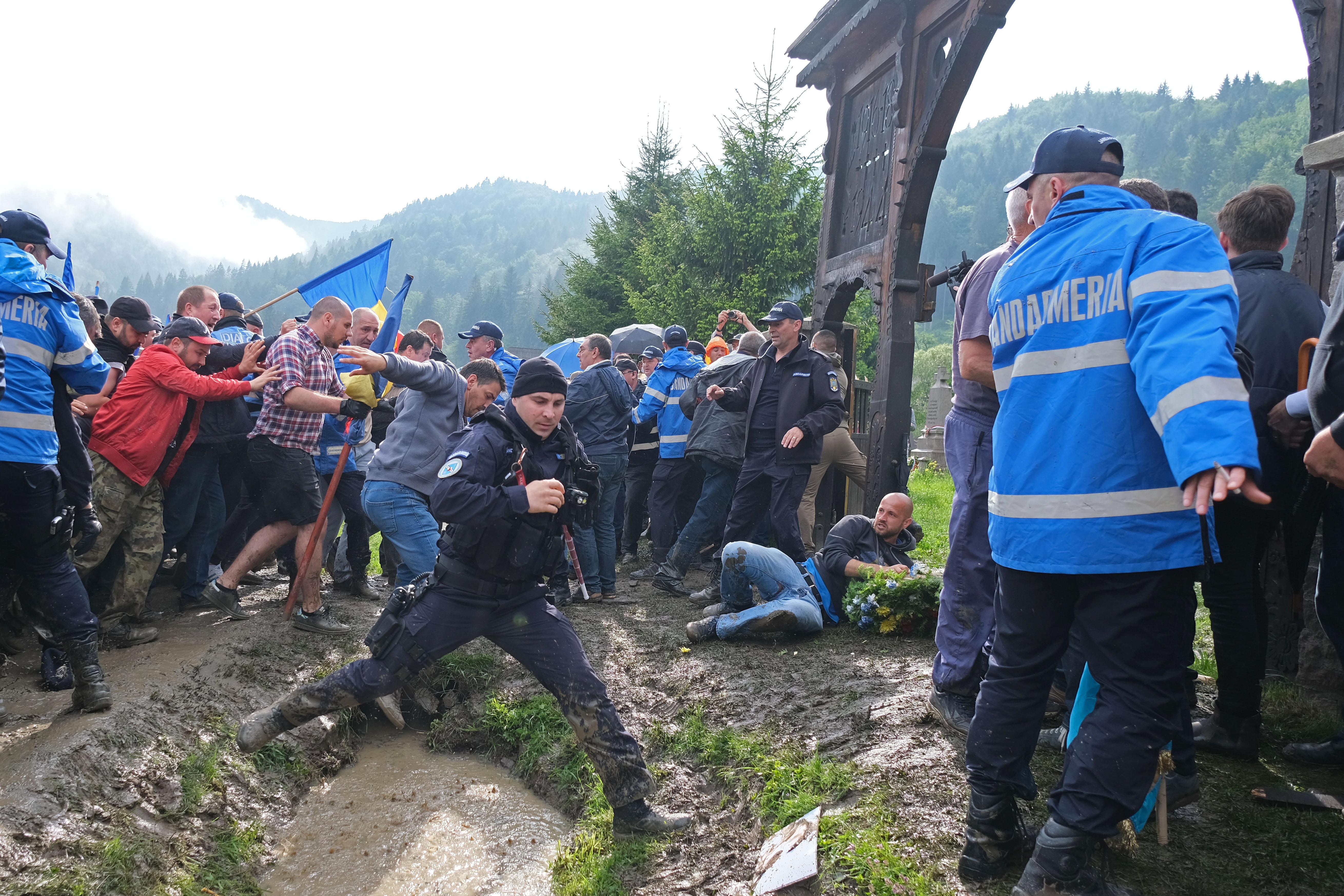 """""""Rumänische Behörden bestrafen die Opfer"""" post's picture"""