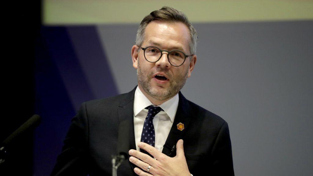 """Staatsminister Roth: """"Es ist beschämend, dass ein EU-Mitgliedstaat Anti-EU-Kampagnen durchführt"""" post's picture"""