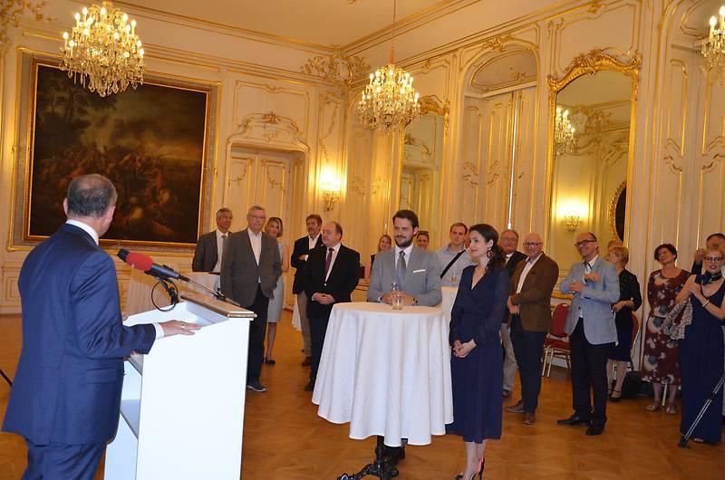 Ungarische Ärzte treffen in der Botschaft