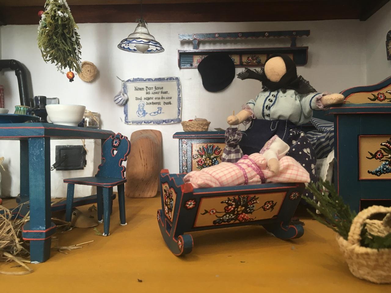 Puppenhäuser von Eva Ament: Einblick ins Leben der Ungarndeutschen post's picture