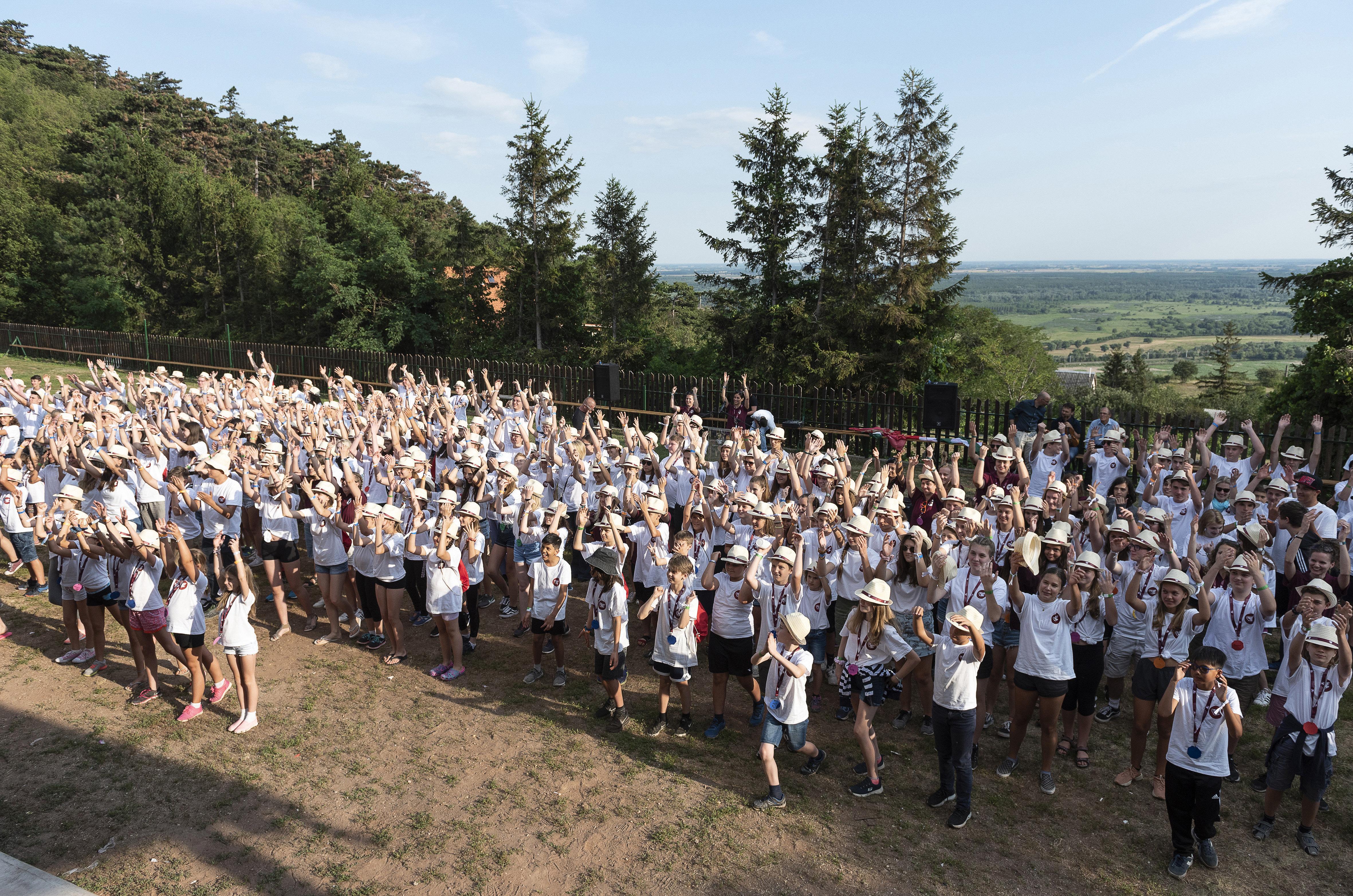 350 Gästekinder aus der Diaspora post's picture