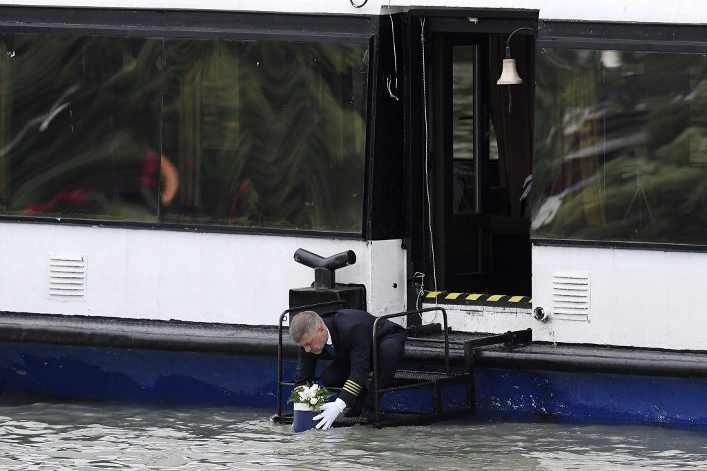 """Abschied von den ungarischen Opfern der """"Hableány-Katastrophe"""" post's picture"""