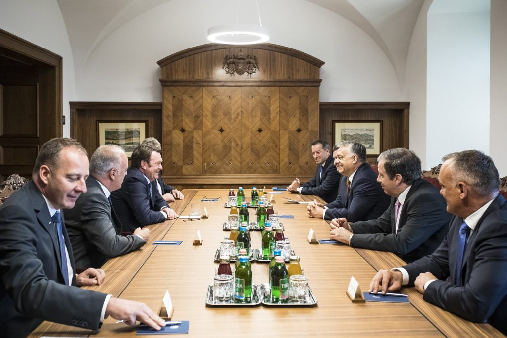 Orbán trifft Audi-Vorsitzenden post's picture