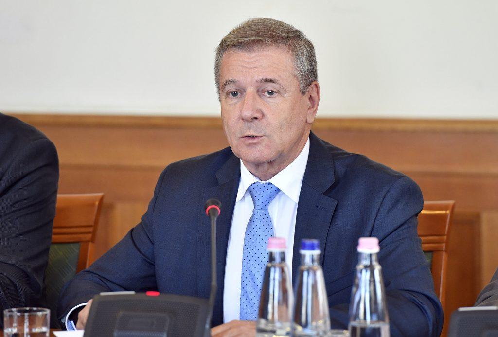 Verteidigungsminister unterzeichnet Kooperationsmemorandum in London
