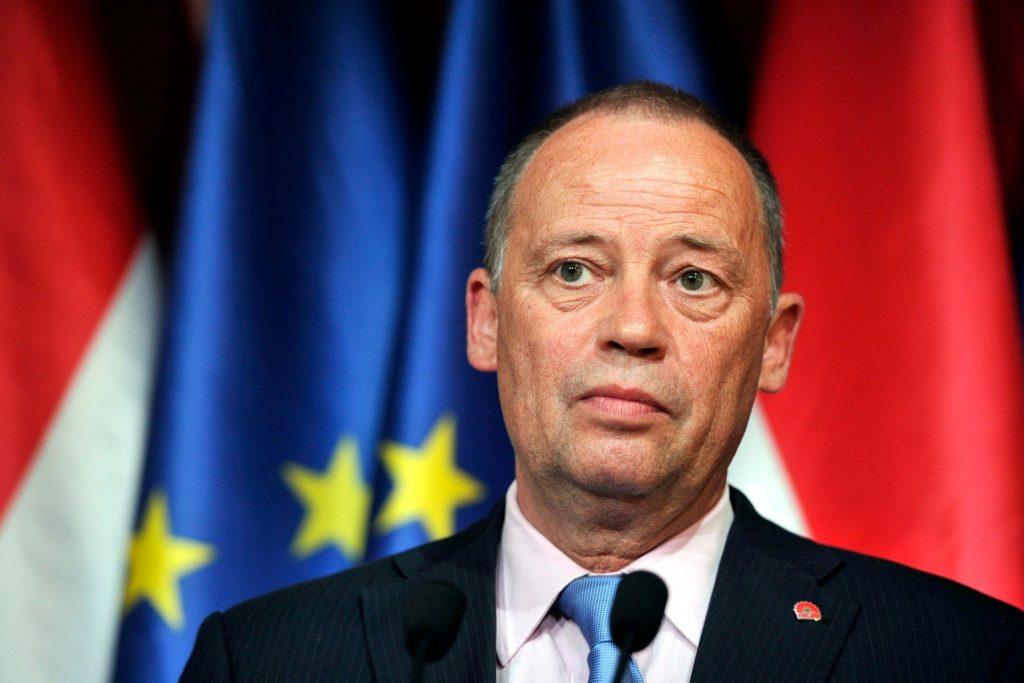 MSZP zieht Szanyi vom Posten des stellvertretenden Vorsitzenden zurück