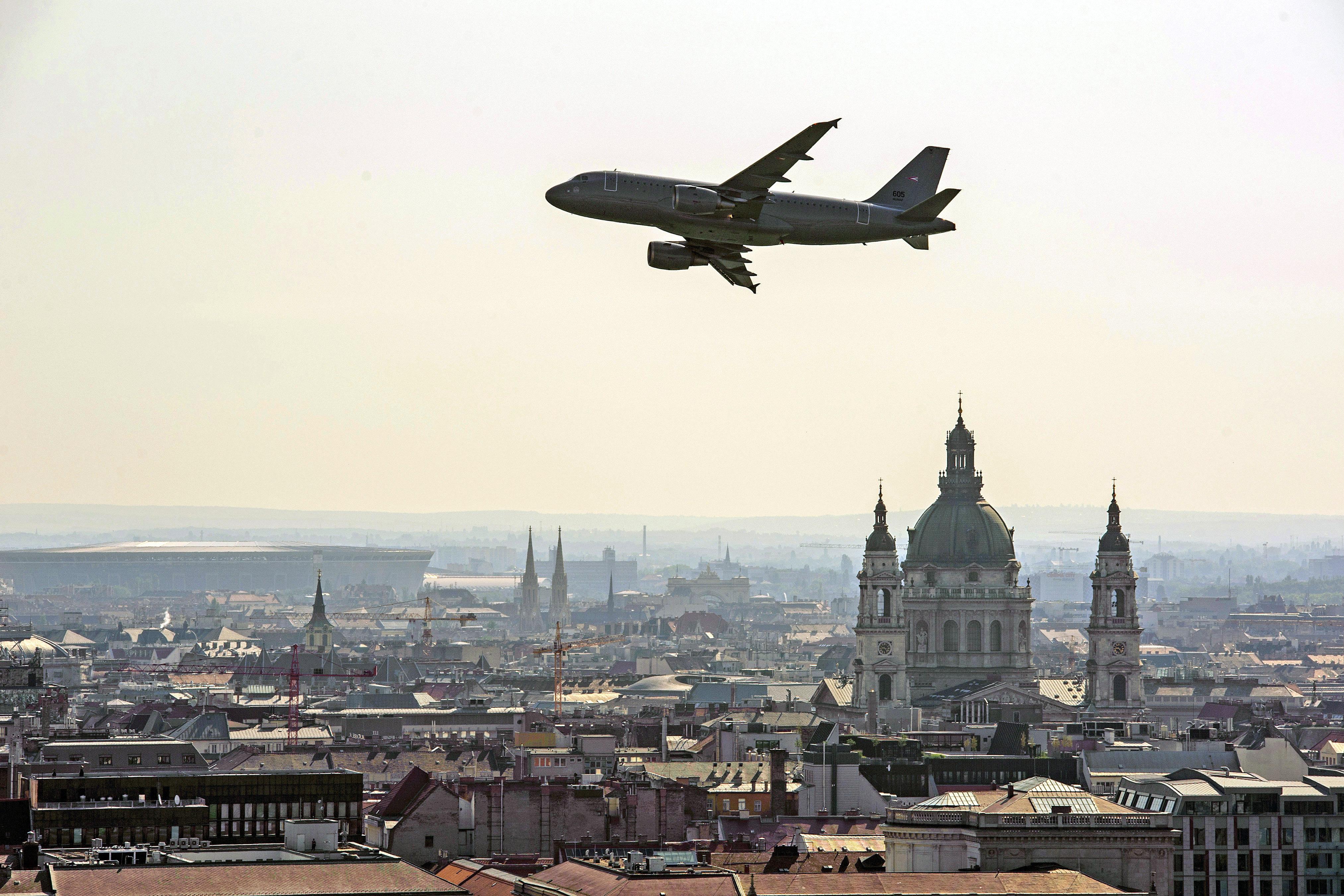 Laser stören Starts und Landungen auf dem Flughafen Budapest post's picture