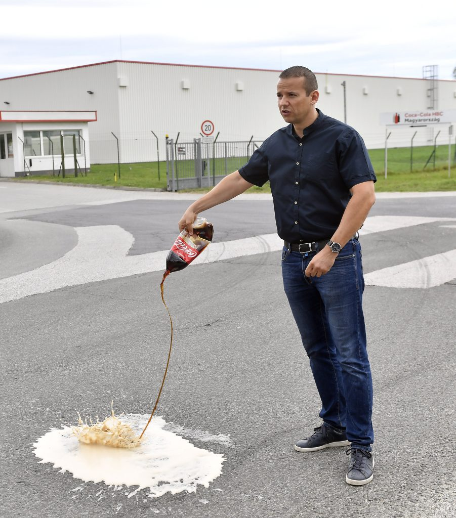 """""""Mi Hazánk"""" ruft zum Boykott von Coca-Cola auf"""