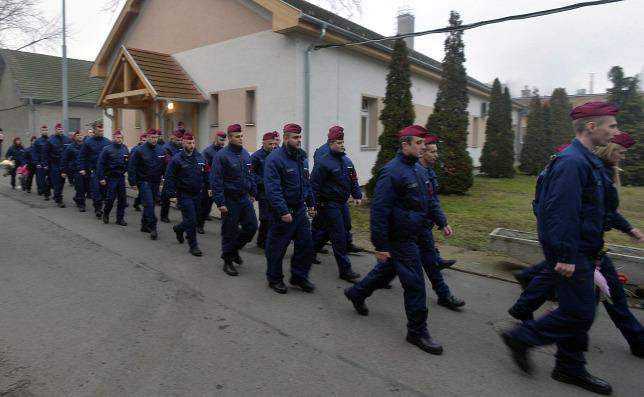 Ungarn schickt Polizeieinheiten nach Nordmazedonien und Serbien post's picture