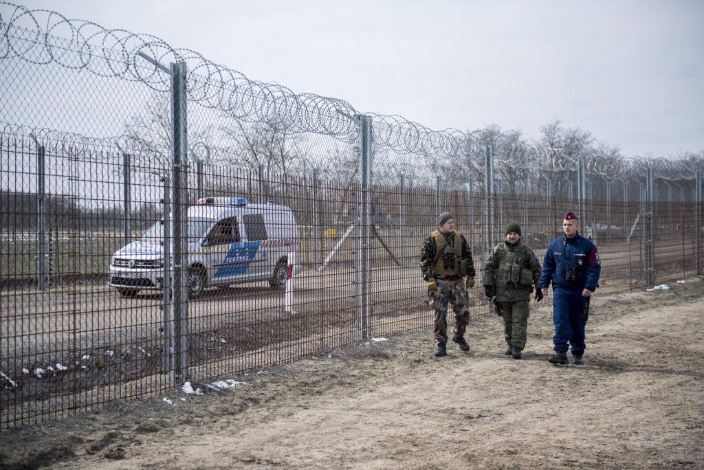 Fidesz: DK will den ungarischen Grenzzaun abbauen