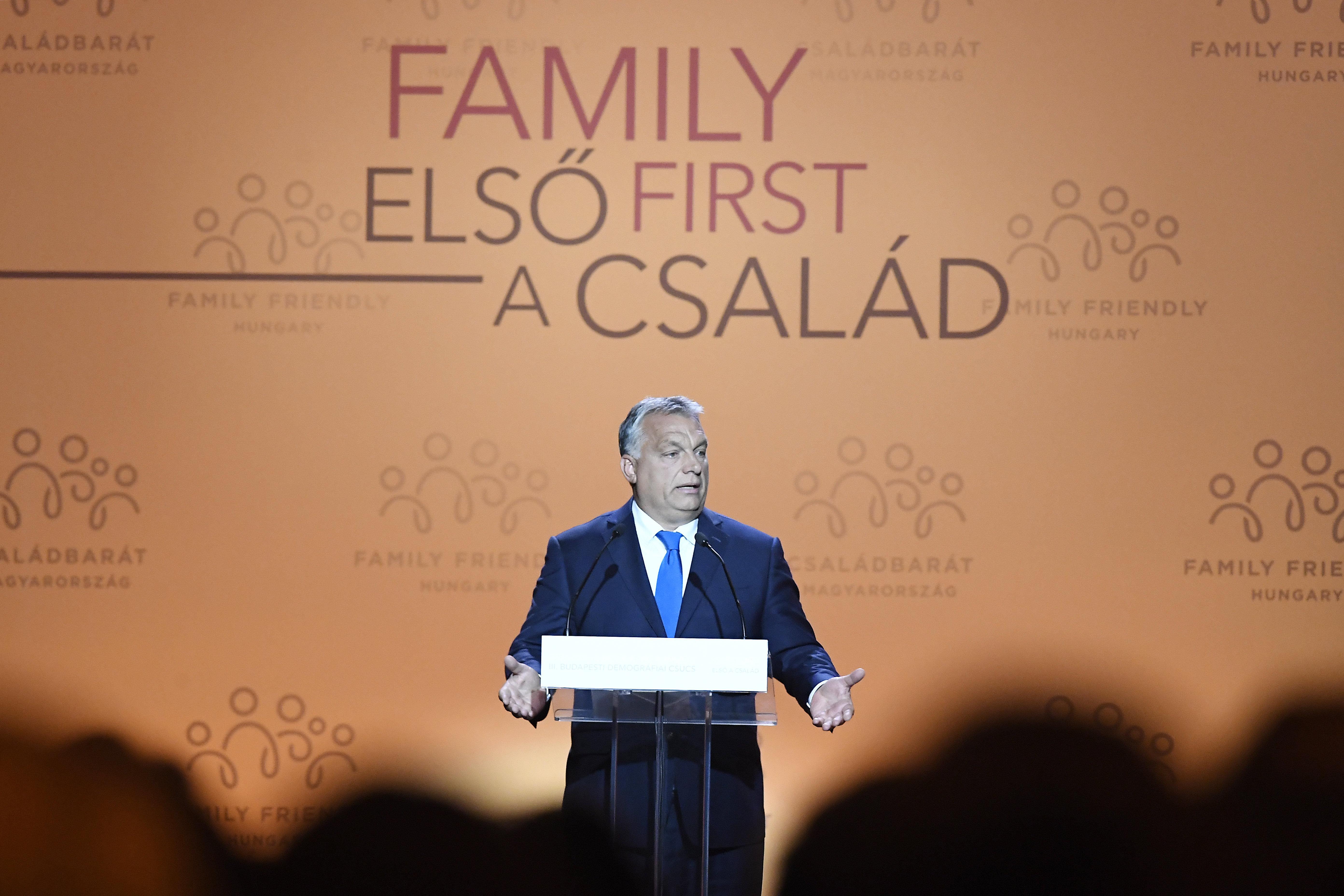 """Orbán: """"Regierung ist verpflichtet, eine starke demografische Politik zu verfolgen"""" post's picture"""
