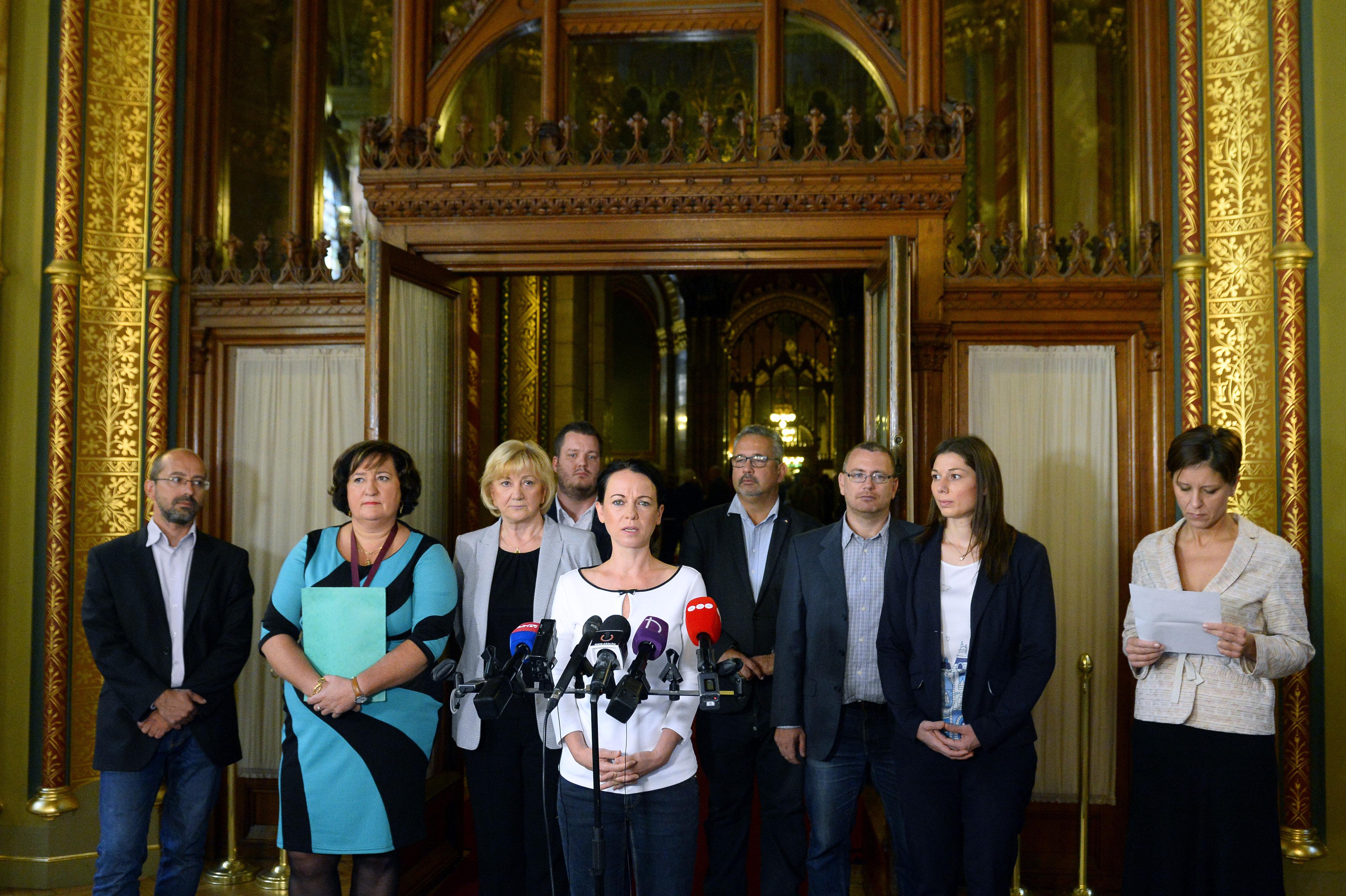 Oppositionsparteien bewerten Orbáns Rede post's picture