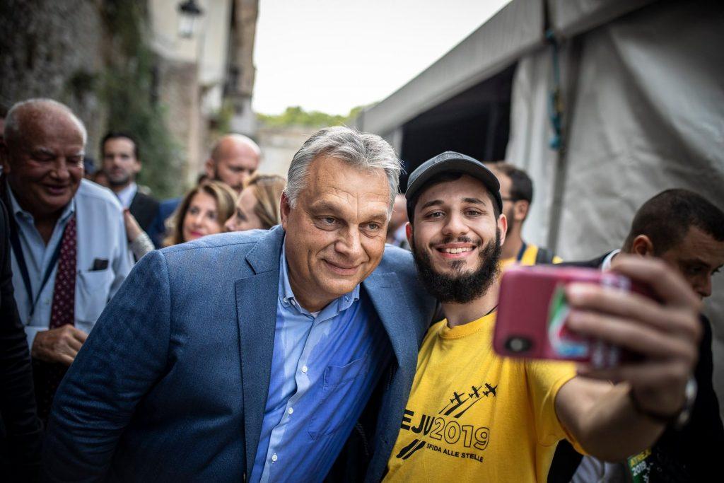 """Orbán bei Fratelli d'Italia: """"Ich habe mich wie zu Hause gefühlt"""" post's picture"""