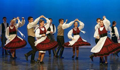 Ungarische Tanzakademie startet Volkstanz-Studien in Marosvásárhely post's picture
