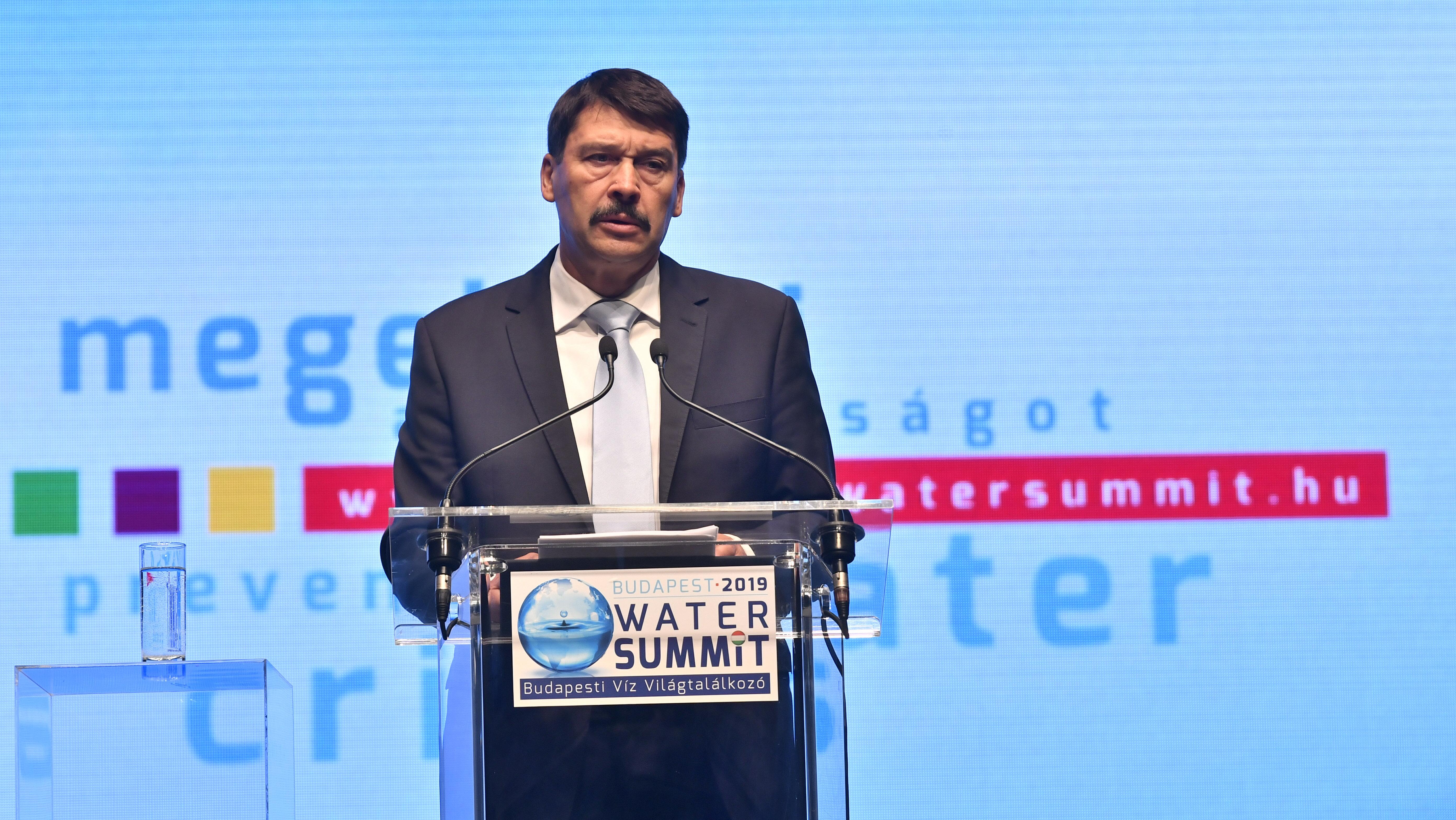 """Präsident Áder: """"Es gibt keinen rechten oder linken Klimawandel"""" post's picture"""