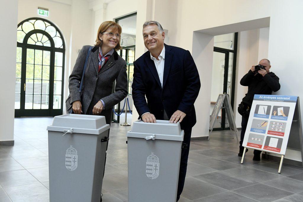 Premier Orbán stimmt ab und ist optimistisch post's picture