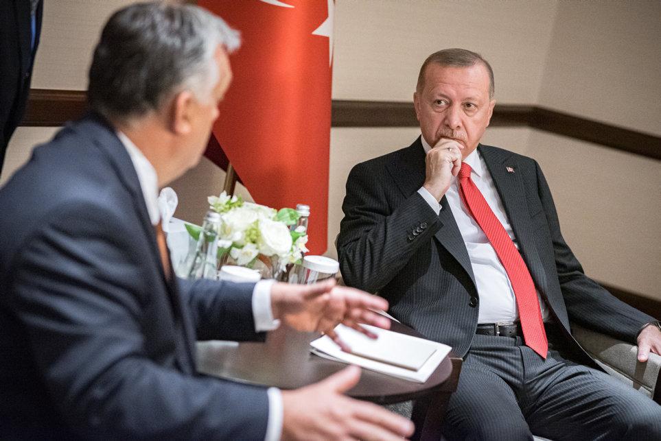 Erdogan zu Orbán: Türkei kann syrische Migranten nicht länger aufhalten