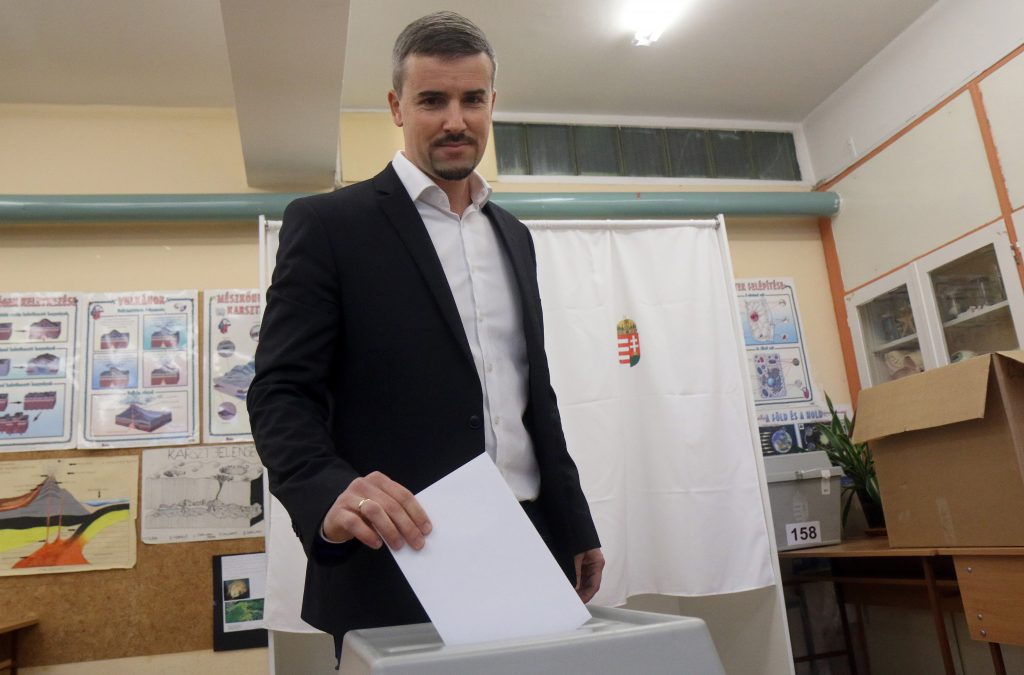 Kommunalwahlen – Oppositionsführer geben ihre Stimmen ab post's picture