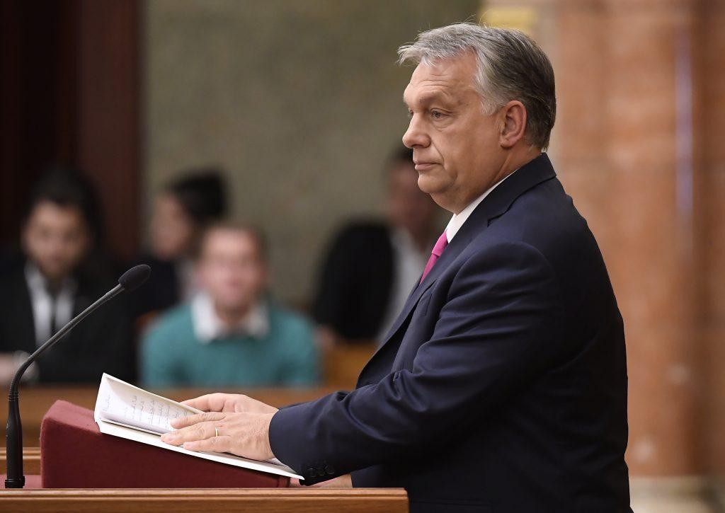 Orbáns Rede im Parlament gestört