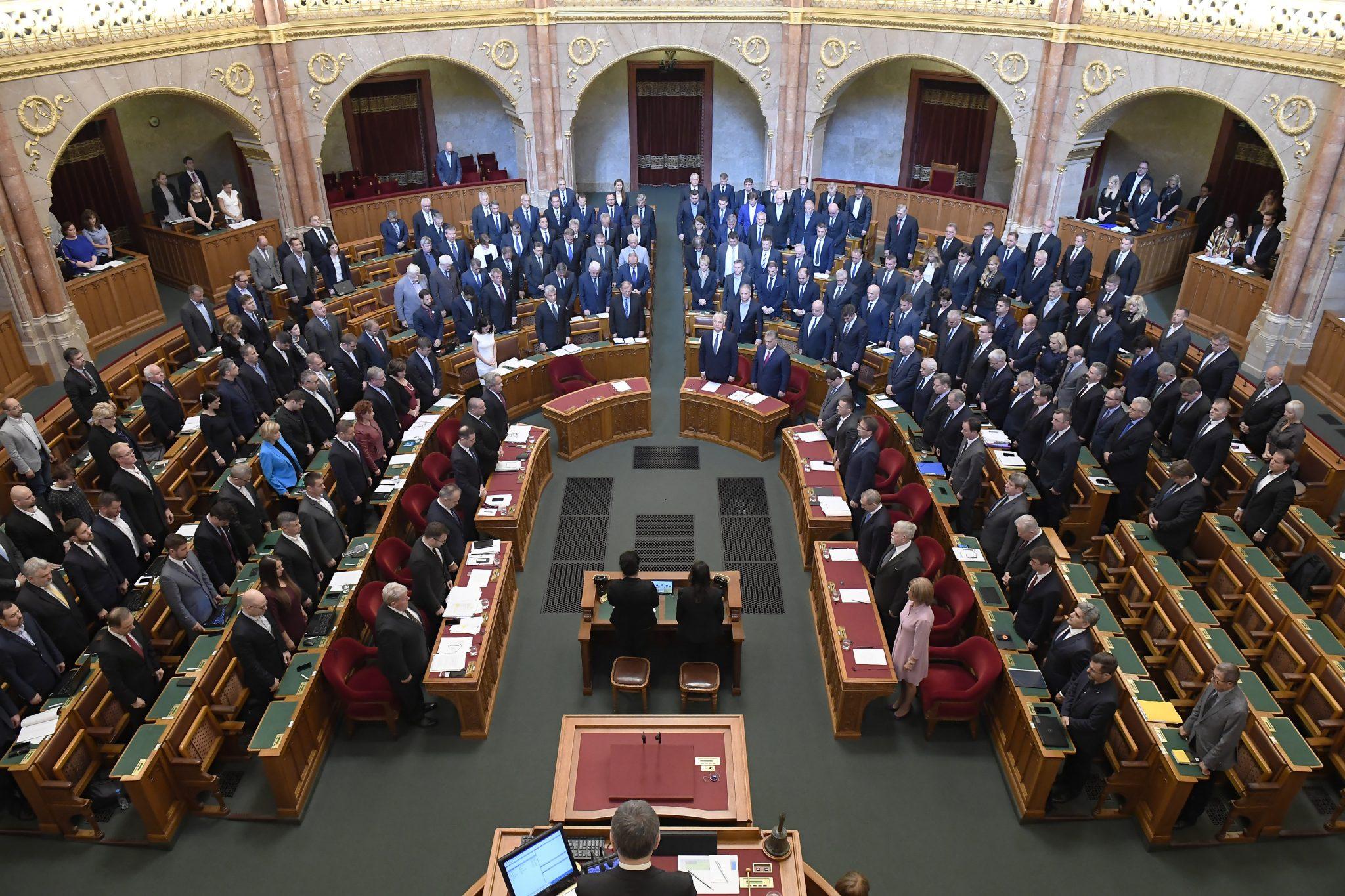 Presseschau von budapost: Parlamentarische Hausordnung verschärft post's picture