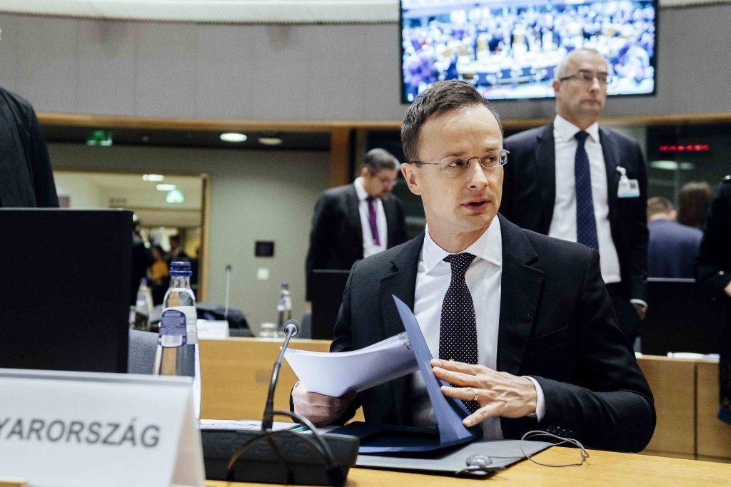 Außenminister: Ungarn verstärkt Präsenz in NATO-Missionen