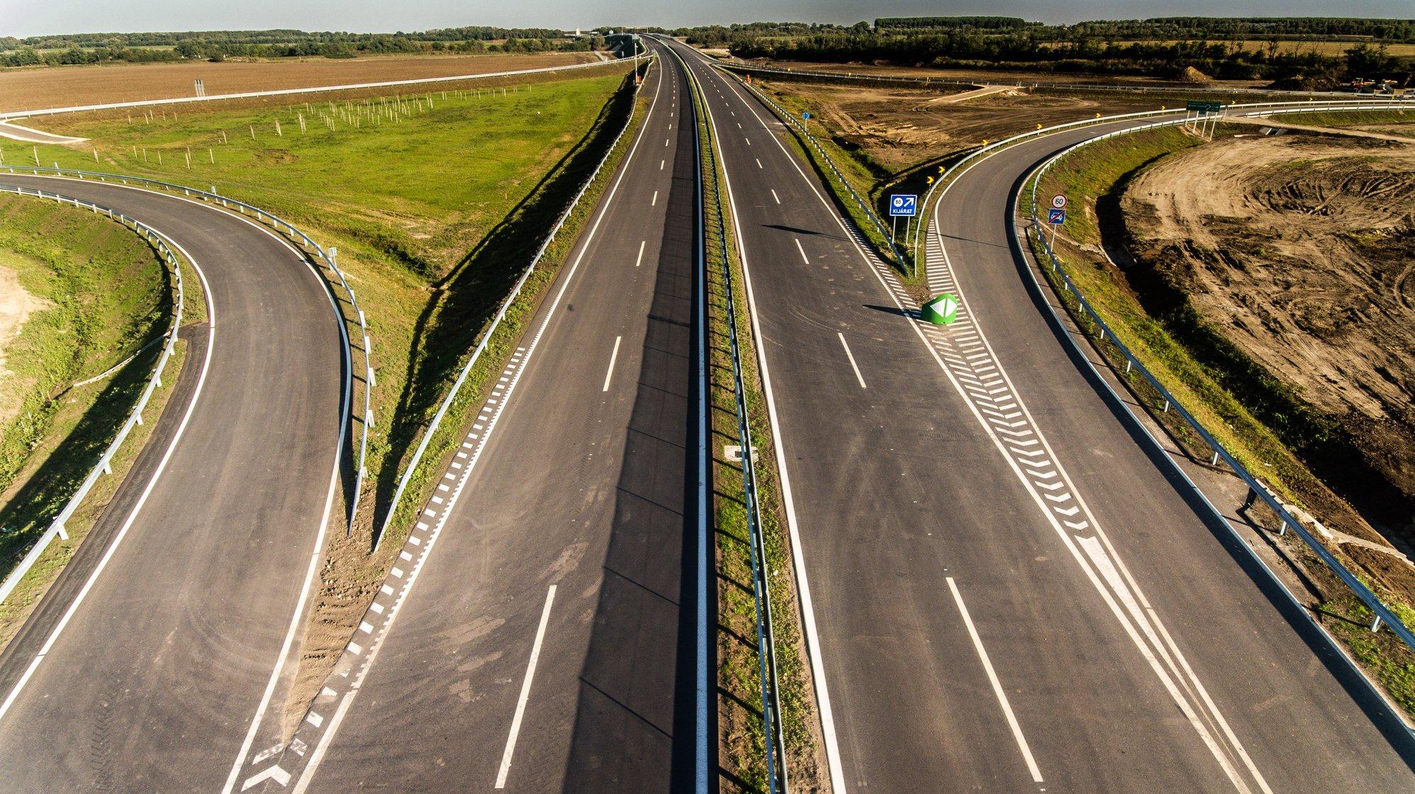Schnellstraße – M44 früher als geplant übergeben post's picture