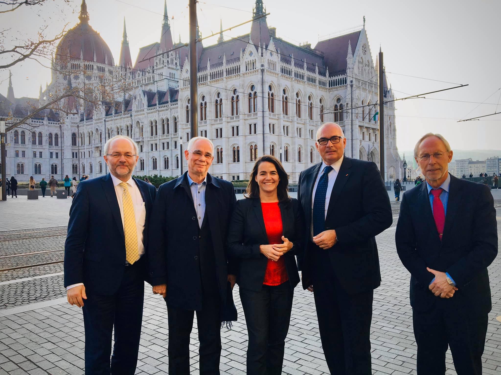 """""""Der Platz des Fidesz ist in der Volkspartei"""" post's picture"""