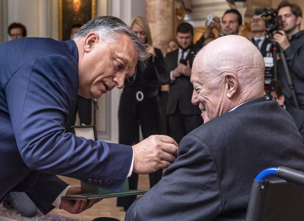Sir Roger Scruton mit Ungarischem Verdienstorden ausgezeichnet