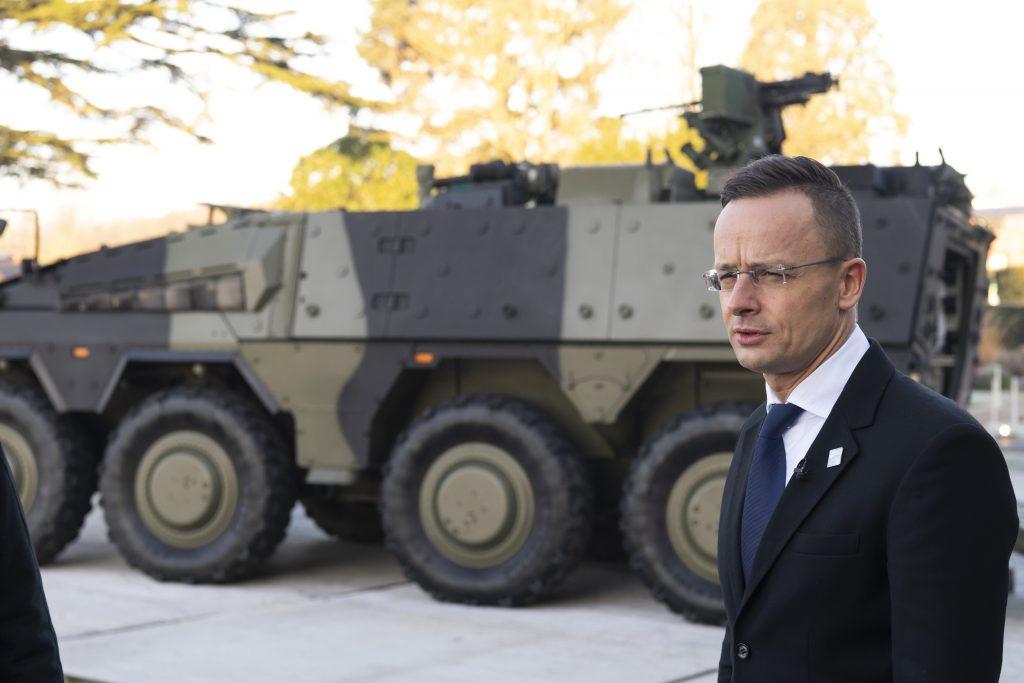 NATO hilft bei Bewältigung des Terrorismus