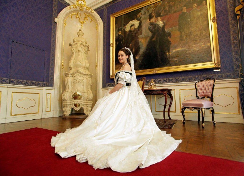 Doppelfeier: Weihnachten und Geburtstag von Sisi im Schloss Gödöllő