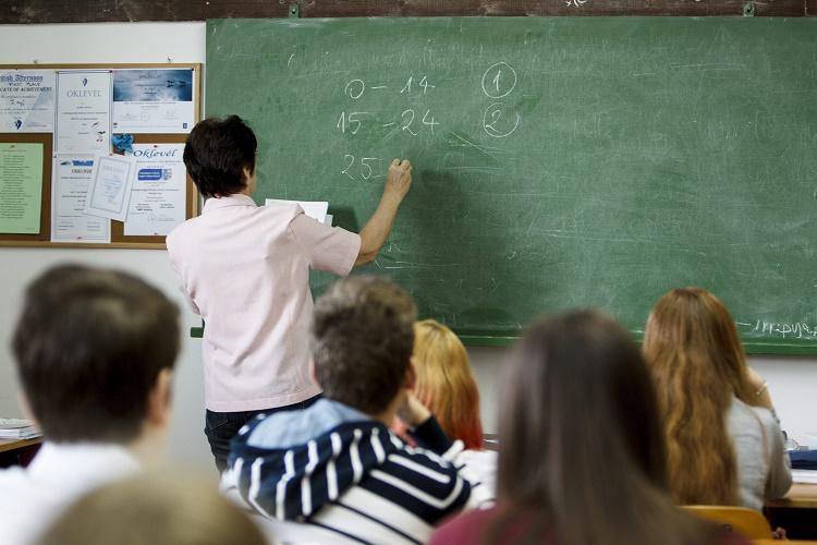 LMP fordert eine Gehaltserhöhung für Lehrer post's picture