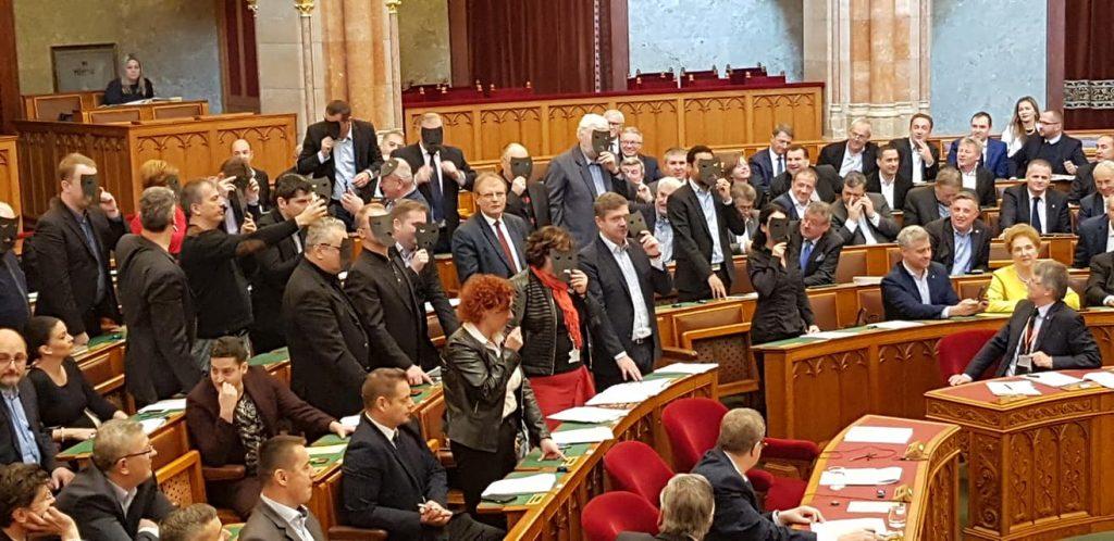 Parlament verabschiedet Kulturgesetz
