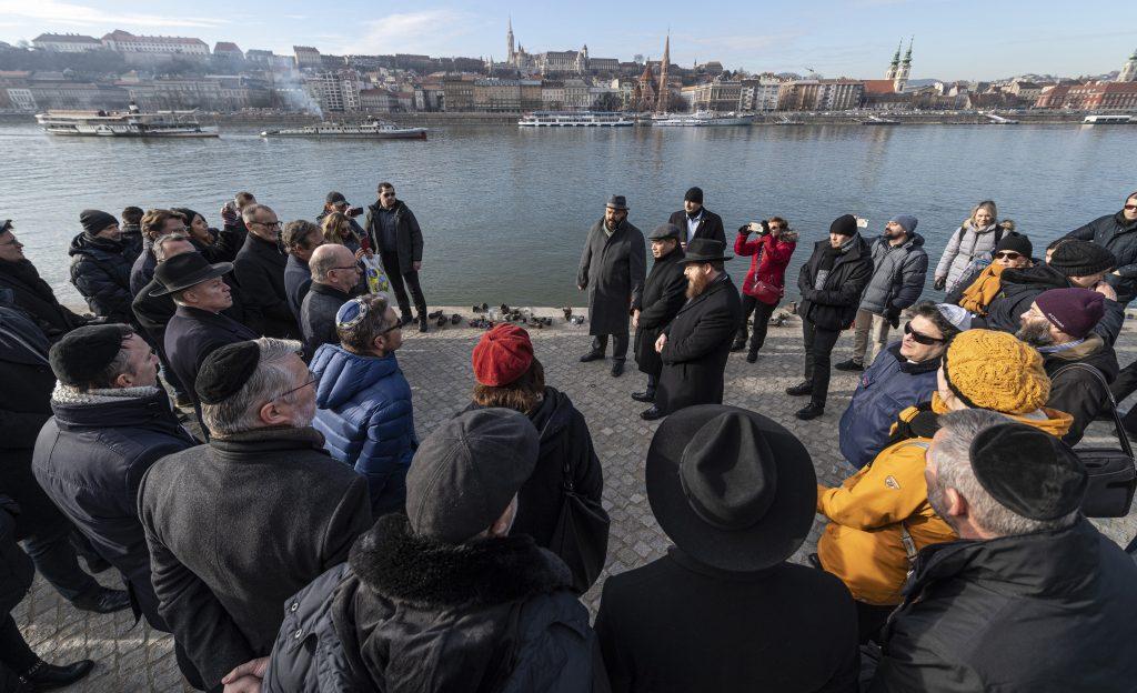 Botschafter gedenken Holocaust-Opfer