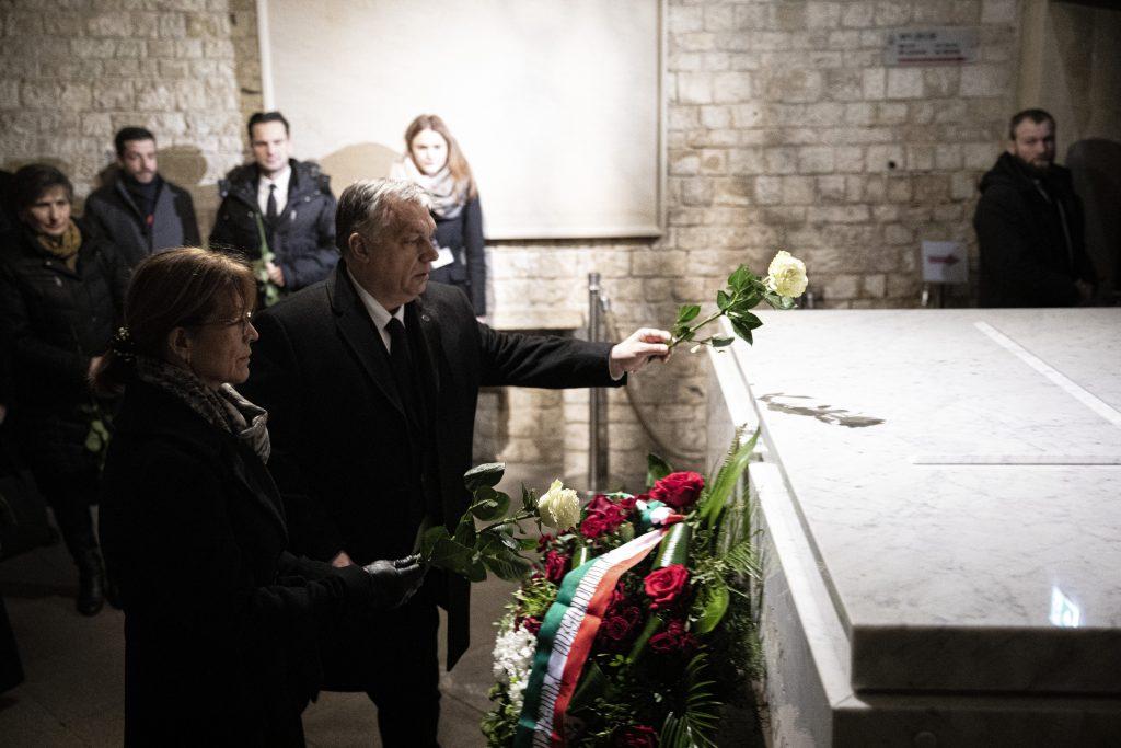 Orbán besucht Krakau und Auschwitz post's picture
